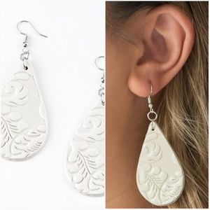 FEELIN GROOVY WHITE LEATHER EARRINGS